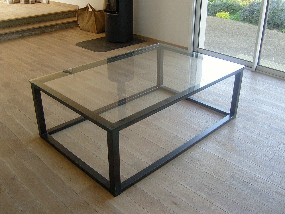Mobilier serrurerie metallerie arzal morbihan 56 for Table de salon plexiglass